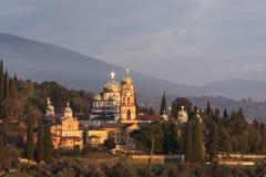Landskap med sikter av den nya Athos Christian kloster Fotografering för Bildbyråer