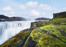 Landskap med vattenfallet Dettifoss, Island arkivfoto