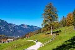 Landskap nära Garmisch Partenkirchen i Bayern, Tyskland arkivbild