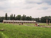 Landskap och byggnader av Auschwitz Arkivbild