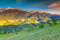 Landskap och vildmark för sommar lantligt nära kli, Transylvania, Rumänien, Europa arkivfoto
