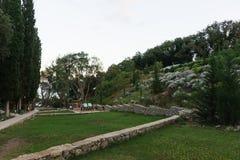 Landskap område av det rekonstruerade hotellkomplexet fotografering för bildbyråer