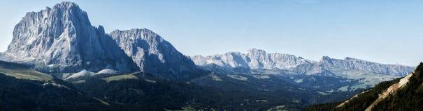Landskap på bergen av Trentino Arkivfoton
