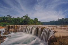 Landskap på curugparigien, indonesia royaltyfria foton
