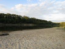 Landskap på floden Arkivfoto