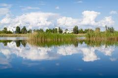 Landskap på sjön Fotografering för Bildbyråer