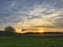 Landskap på solnedgången i Schweiz Seon arkivbilder