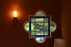 Landskap sett från fönstret av rummet Royaltyfri Foto