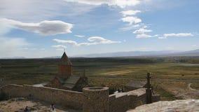 Landskap sikten av den Khor Virap kloster i Armenien arkivfilmer