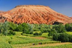 Landskap sikten av höga kartbokberg, Marocko Arkivfoton