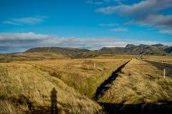 Landskap sikten med blå himmel och moln i Vik Iceland royaltyfri fotografi
