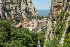 Landskap sikten på Santa Maria de Montserrat Abbey, Catalonia, Sp Arkivfoton