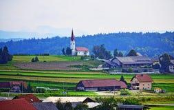 Landskap Slovenien Europa för by för GriÄ pri Trebnjem härligt arkivbilder