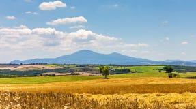 landskap tuscan Arkivfoton