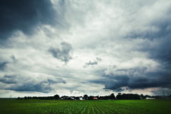 Landskap under molnigt väder Arkivbilder