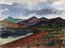 Landskap Vattenfärgen skissar av ett berglandskap mot en sjö royaltyfri bild
