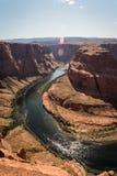Landskapbild av hästskokrökningen i sidan, Arizona royaltyfri foto