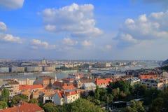 Landskapet av Budapest är i slutet av dagen Royaltyfri Fotografi