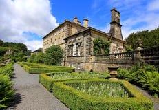 Landskapet av lyrtorskhuslyrtorsken med landet för formella trädgårdar parkerar glasgow Royaltyfria Foton
