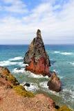 Landskapet av vaggar eroderat av havet Royaltyfri Bild