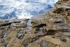Landskapet med vatten och vaggar i den Thassos ön, Grekland Royaltyfria Foton