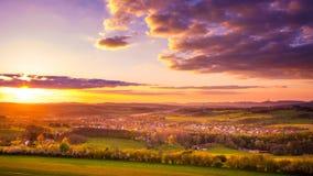 Landskapet på solnedgången i Tyskland, låga Sachsen Royaltyfri Fotografi