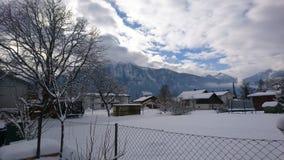 Landskaphimmel mycket av moln i vinter arkivfoto
