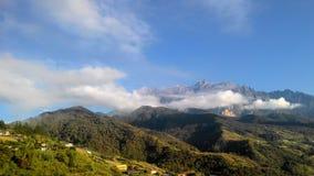 Landskaplandskapsikt av berget Kinabalu Arkivfoton