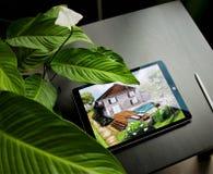 Landskapsarkitekturplandesign i borggården för villa arkivbild
