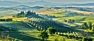 Landskapsikt av Val d& x27; Orcia Tuscany, Italien royaltyfria bilder