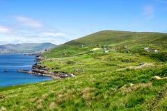 Landskapsikt i västra Kerry, Beara halvö i Irland royaltyfri bild
