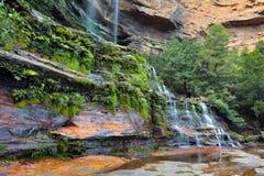 Landskapsikten av Katoomba nedgångar slösar berg New South Wales Royaltyfri Foto