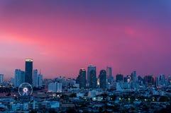 Landskapsolnedgång, Bangkok stadssikt Arkivfoton