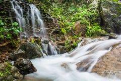 Landskapvattenfallet i det sydligt av Thailand Royaltyfri Fotografi