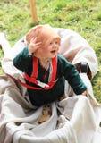 Landsknecht behandla som ett barn Fotografering för Bildbyråer