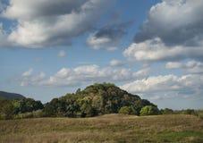 Landskulle med dramatisk himmel royaltyfri fotografi