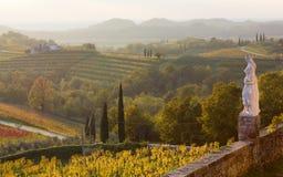 Landslandskap från den Rosazzo abbotskloster Arkivfoton