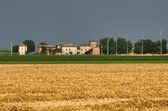 Landslandskap nära Fiorenzuola Piacenza, Italien Arkivbild