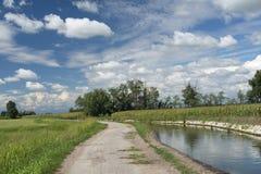 Landslandskap nära Morimondo (Milan) Royaltyfria Bilder