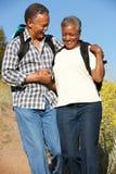 landspar fotvandrar pensionären Arkivfoto