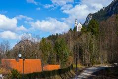 Landsqape sikt från den neuschwanstein slotten royaltyfria foton