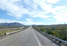 Landstraße in Arizona, Vereinigte Staaten Stockfotos