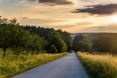Landstraße in der Tschechischen Republik Stockfotos
