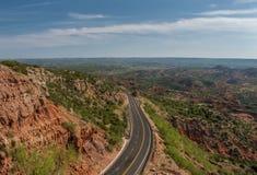 Landstraße durch Texas Canyon stockfotos