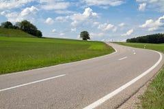 Landstraße im Bayern, Deutschland Stockfotos