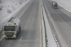 Landstraße im Blizzard Lizenzfreie Stockbilder