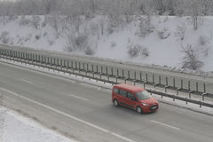 Landstraße im Blizzard Lizenzfreie Stockfotografie