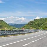 Landstraße in Italien stockfoto