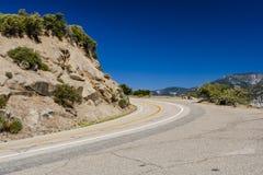 Landstraße 180, Nationalpark König-Canyon, Kalifornien, USA Stockbilder