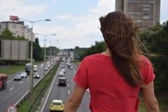 Landstraße zum Himmel oder zur Hölle? stockfotos